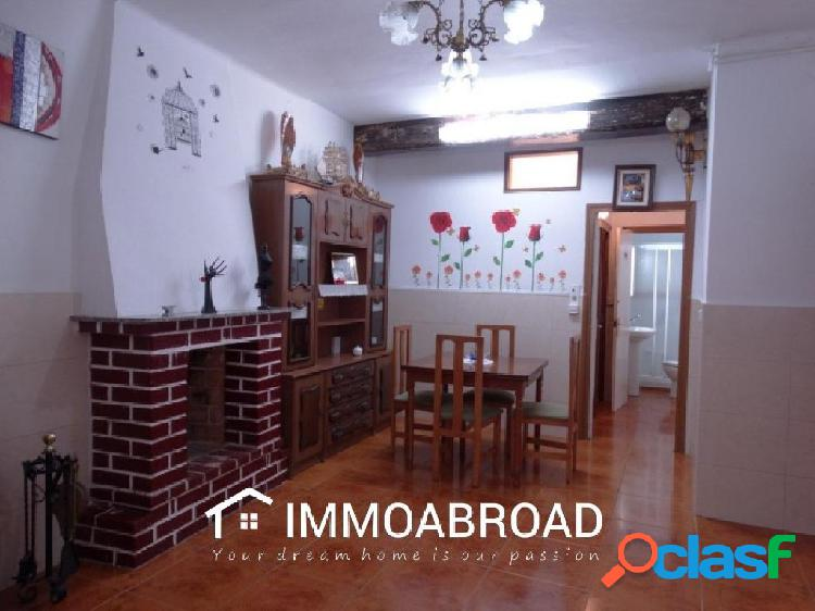 Casa en venta en La Ametlla de Mar con 2 dormitorios y 1