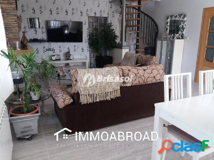 Chalet en venta en Albiol con 3 dormitorios y 2 baños