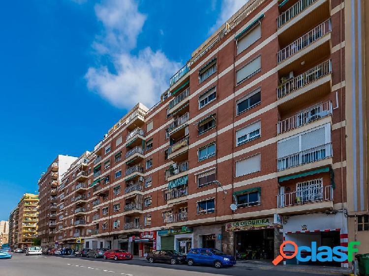 Piso en venta de 140 m² en Calle Ceramista Godofredo Buenos