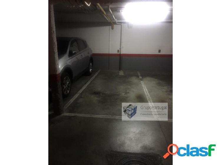 Alquiler de Plaza de Garaje para Coche familiar en Pilar de