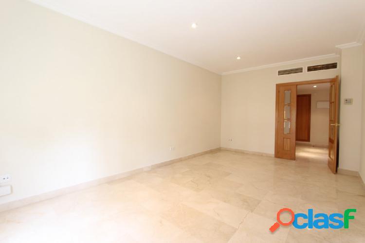 Amplio piso en alquiler en la zona de Nervión