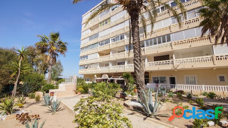Apartamento reformado a estrenar junto a la playa de La Mata