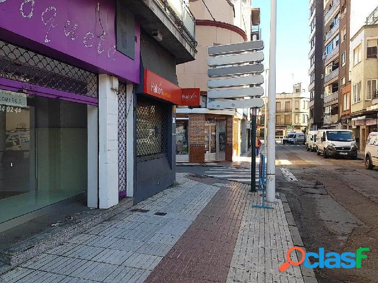 Local comercial Zona Ricardo Cabañero.