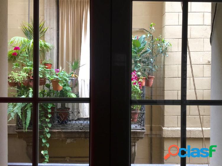 Precioso piso listo para entrar a vivir. Balcones con vistas
