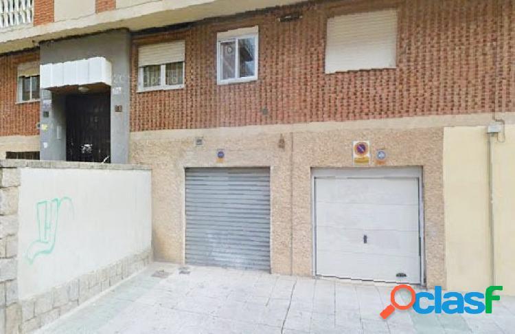 Urbis te ofrece una estupenda plaza de garaje en alquiler en