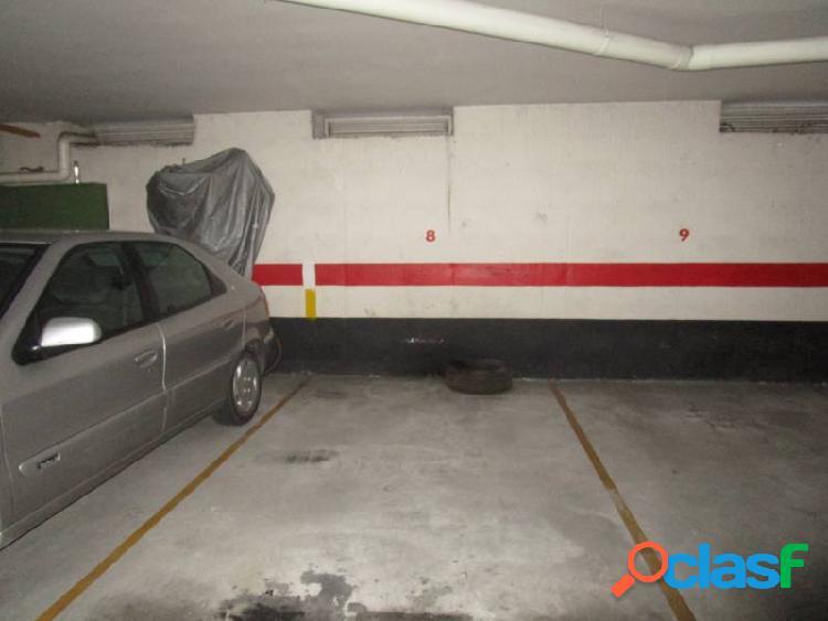 Urbis te ofrece una plaza de garaje en Villares de la Reina,