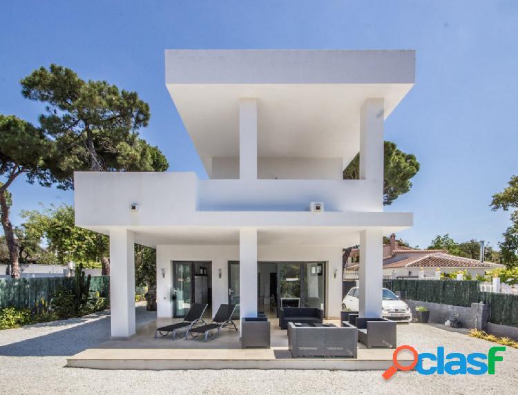 Villa contemporánea de nueva construcción en Bosquemar, el