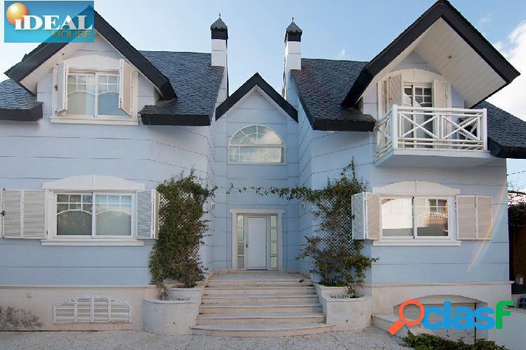 """Ref: A4462J6. Espectacular casa """"premium"""", exclusiva por su"""