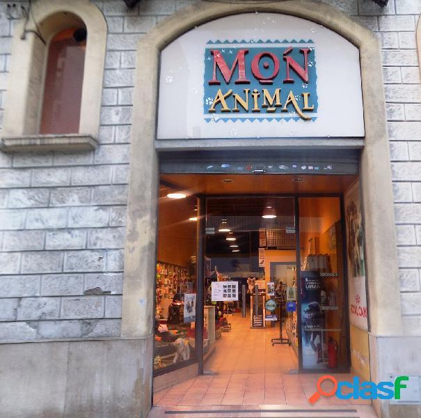 Se traspasa negocio de animales y peluquería canina.