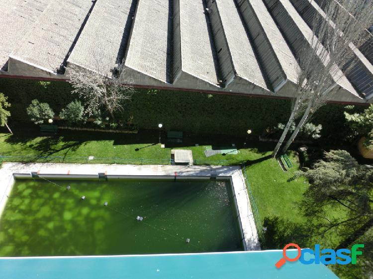 Vivienda en finca con piscina y garaje