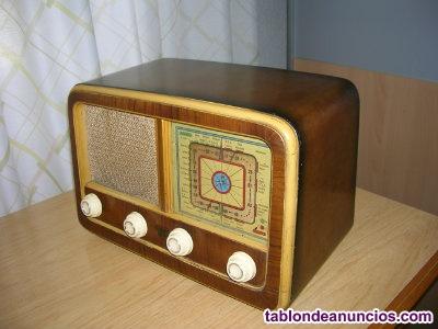Receptor de radio antiguo