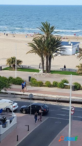 Apartamento con maravillosas vistas al mar situado en 1ª