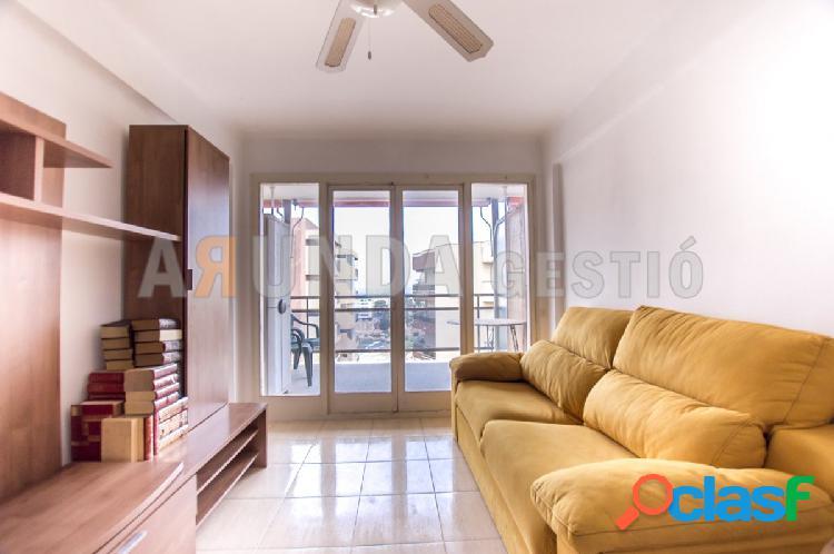 Apartamento de 1 dormitorio con vistas al mar.