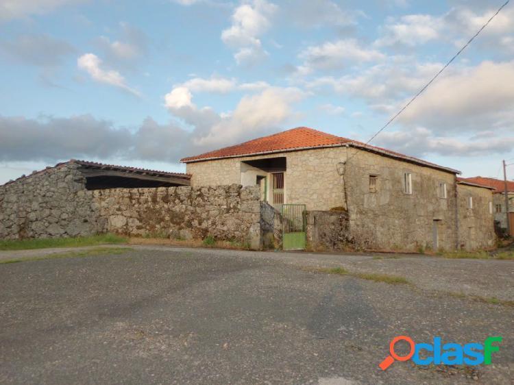 Casa con parcela en la Ribeira Sacra