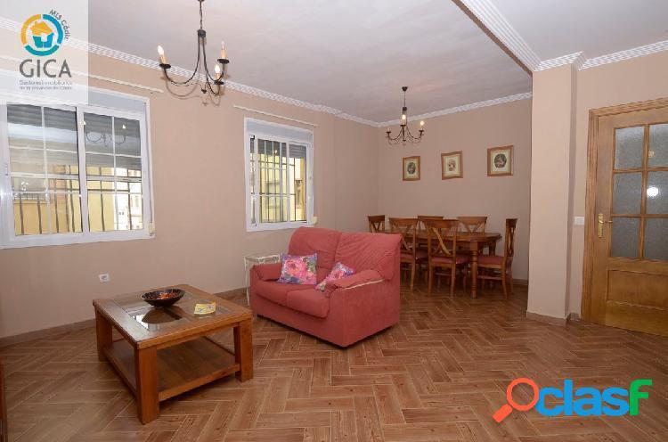 Estupendo piso de planta Baja, reformado con 3 habitaciones