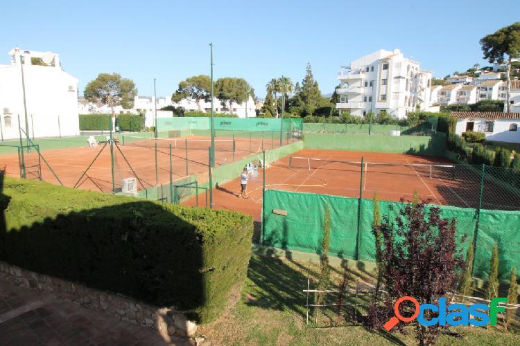 Pistas de tenis a la venta, están en la Urbanización La