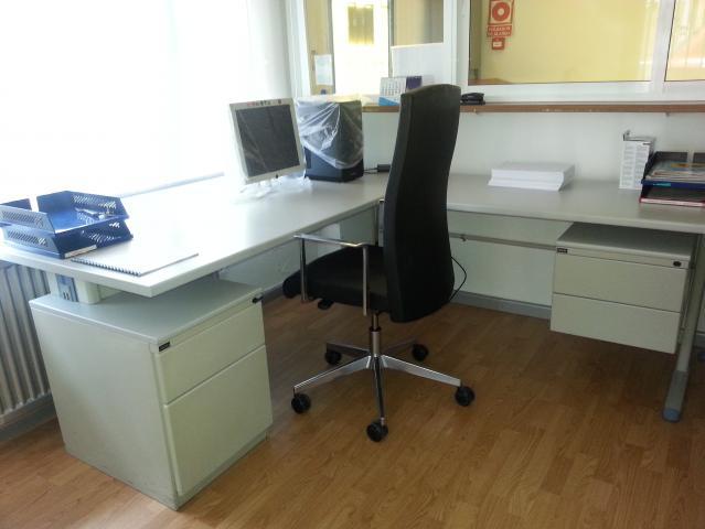 Mobiliario de oficina estanterias