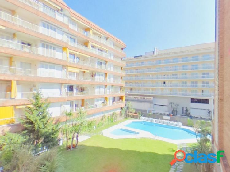 Apartamento de 3 habitaciones con piscina comunitaria en