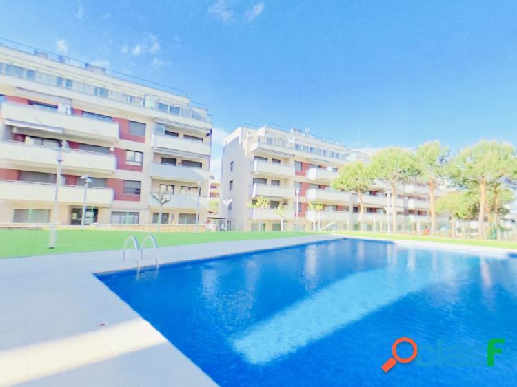 Fantástico apartamento en lujoso conjunto residencial de
