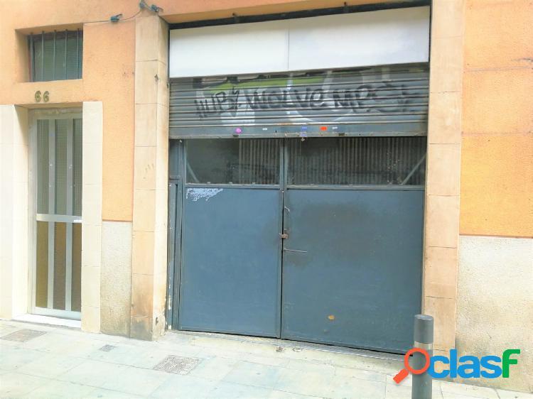 Local comercial de 92m2 en Vila de Gracia. A reformar.