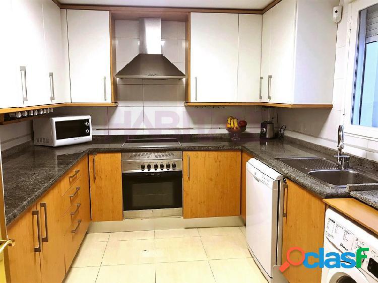 Se vende bonito piso en perfectas condiciones para entrar a