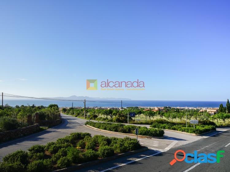 Solar cerca del mar en Artá, Mallorca.