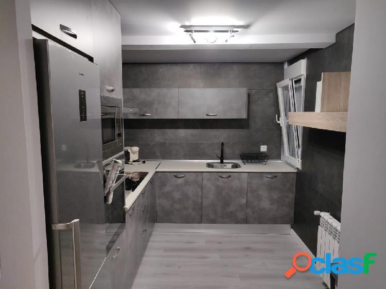 Urbis te ofrece una habitación en un estupendo piso en