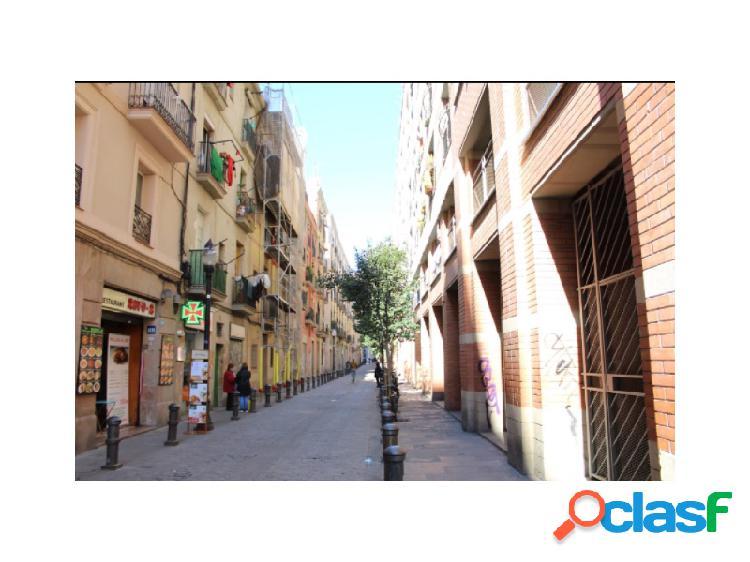 En calle Om, precioso piso totalmente reformado en el Raval,