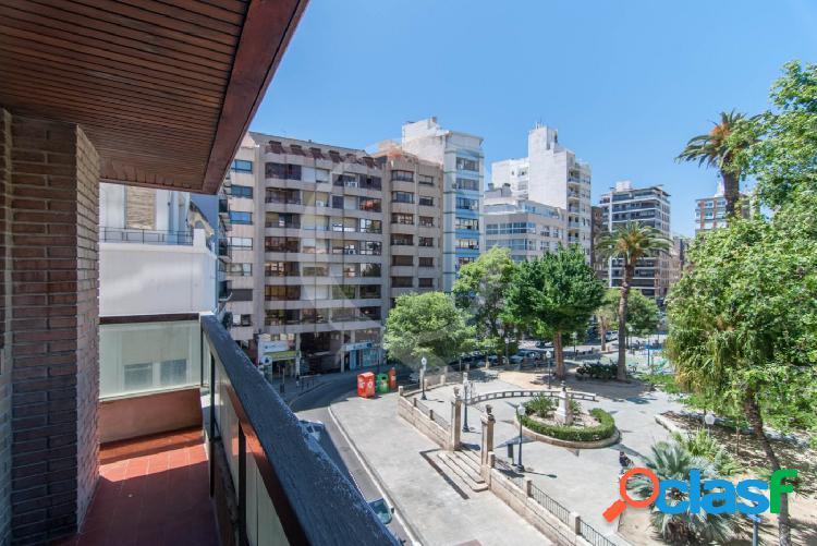 Magnifica vivienda totalmente exterior en Plaza Calvo Sotelo