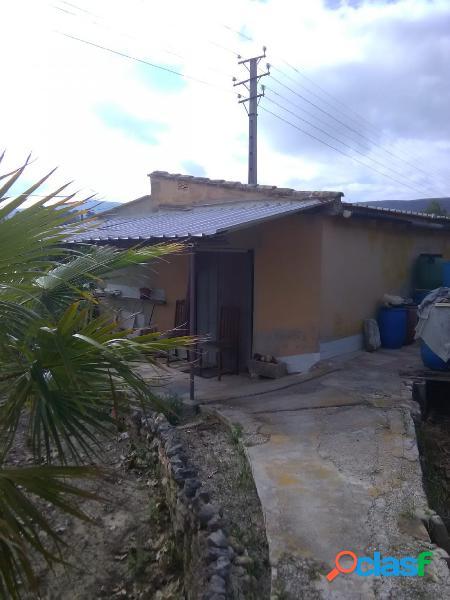 Terreno con refugio a la venta zona El Llombo