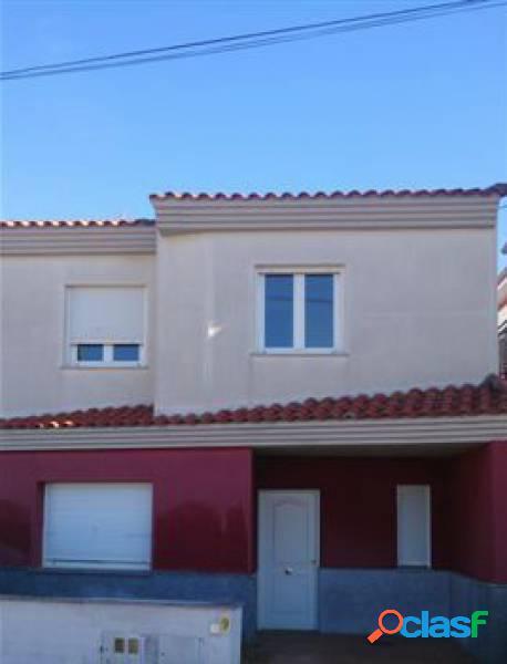 Urbis te ofrece una estupenda casa adosada en Matilla de los