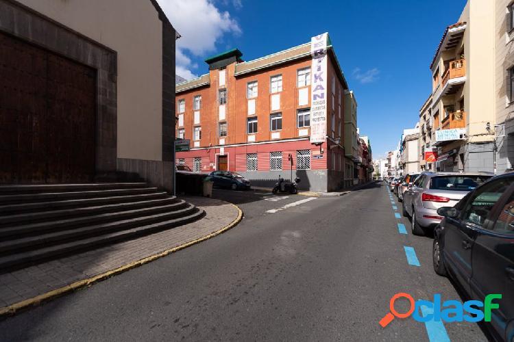 Venta de piso en el barrio de Vegueta