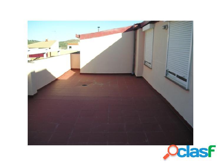 Duplex con terraza situado en la zona de Plaza de Toros.