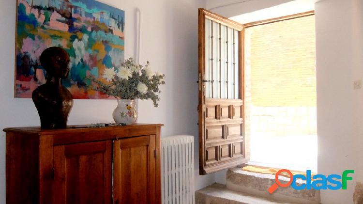 Preciosa casa antigua reformada en Simancas.