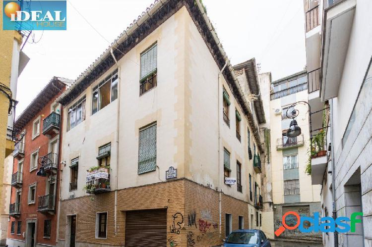 Ref: A4509M4. Edificio en el corazón de Granada.