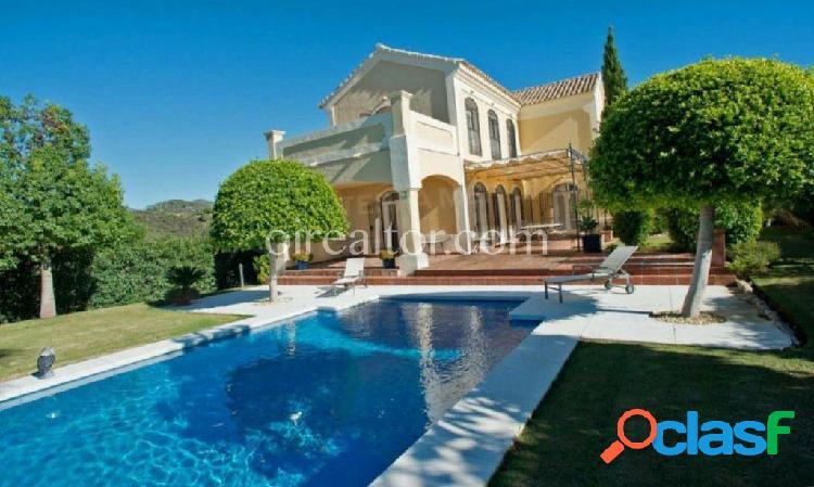 Villa en venta en Selwo, Estepona