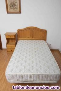 Habitación. Muebles de madera de pino