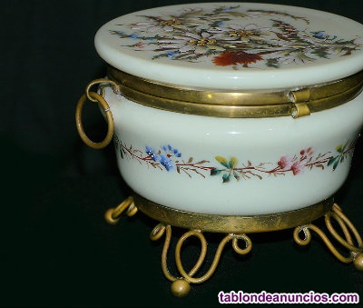Joyero de cerámica y bronce