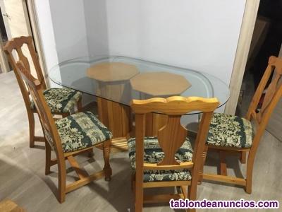 Mesa y sillas de salon