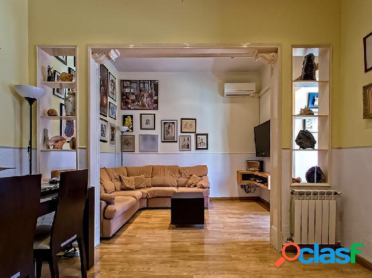 Piso en venta de 136 m² en Calle Consell de Cent, 08011