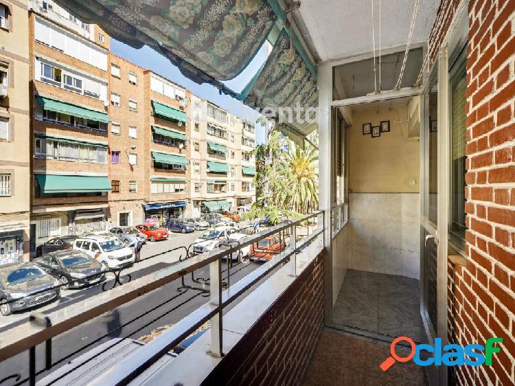 Piso en venta en Calle de Carabelos, Madrid. Madrid