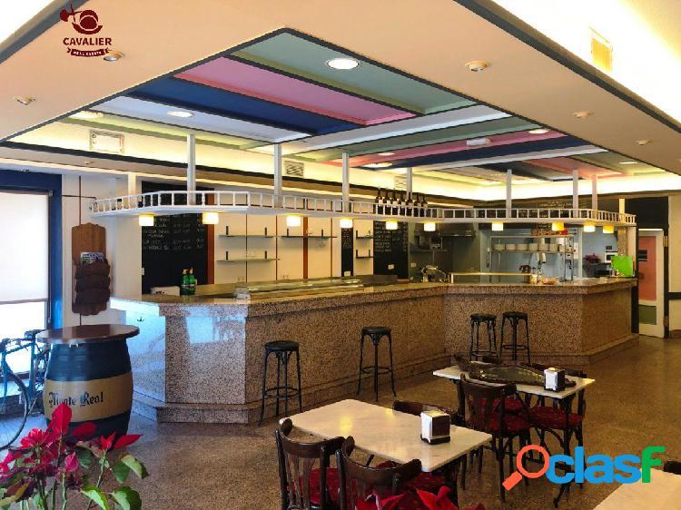 Restaurante de 290m2 magnificamente situado en el centro de