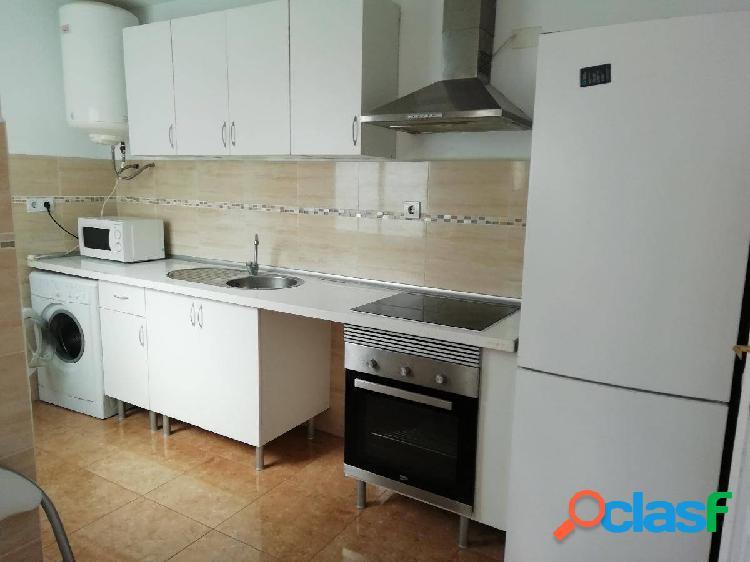Se alquila gran piso de 3 dormitorios en Montemar Alto