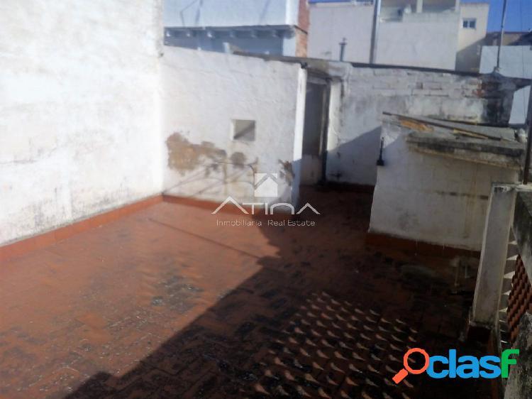 Casa para reformar situada en la zona de Benipeixcar,