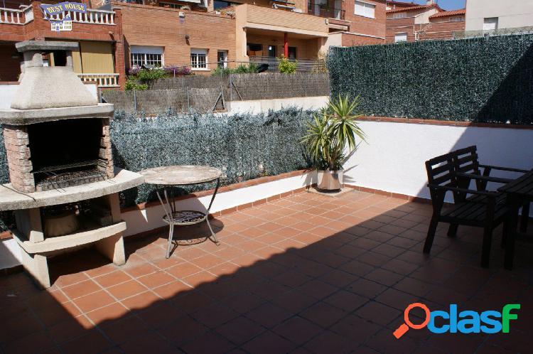 Fantástico piso seminuevo de 1 hab. con terraza 35m2