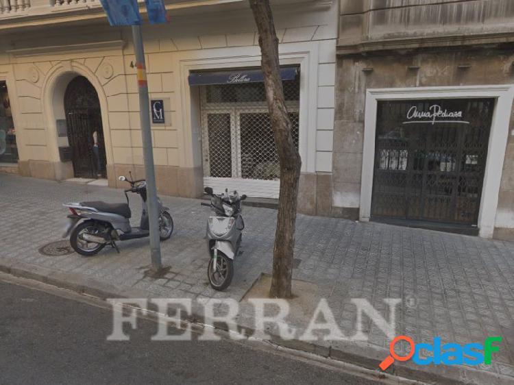 Local comercial en Calle Muntaner, en alquiler, Barcelona