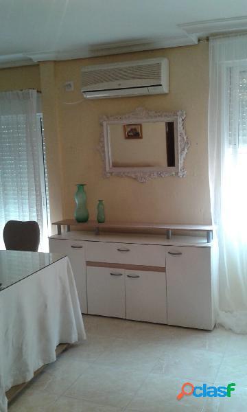 Piso de 2 habitaciones y 1 baño (zona Hospital Infanta