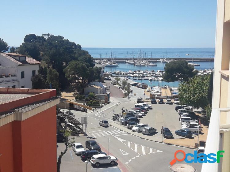 Precioso 2nda linea de mar, con vistas al mar/puerto