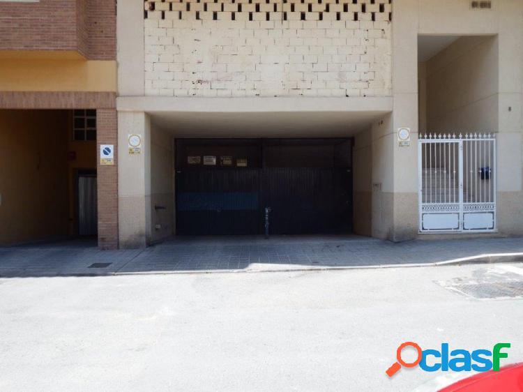 Se alquila plaza de garaje economica para moto