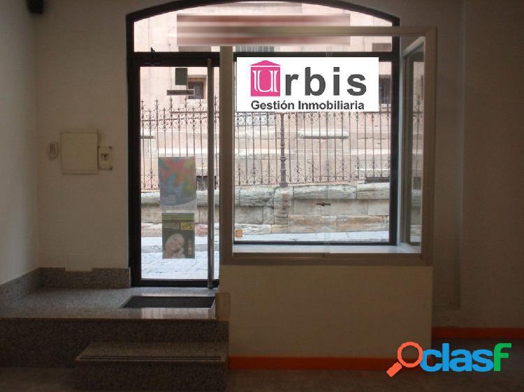 Urbis te ofrece un magnífico local comercial disponible en